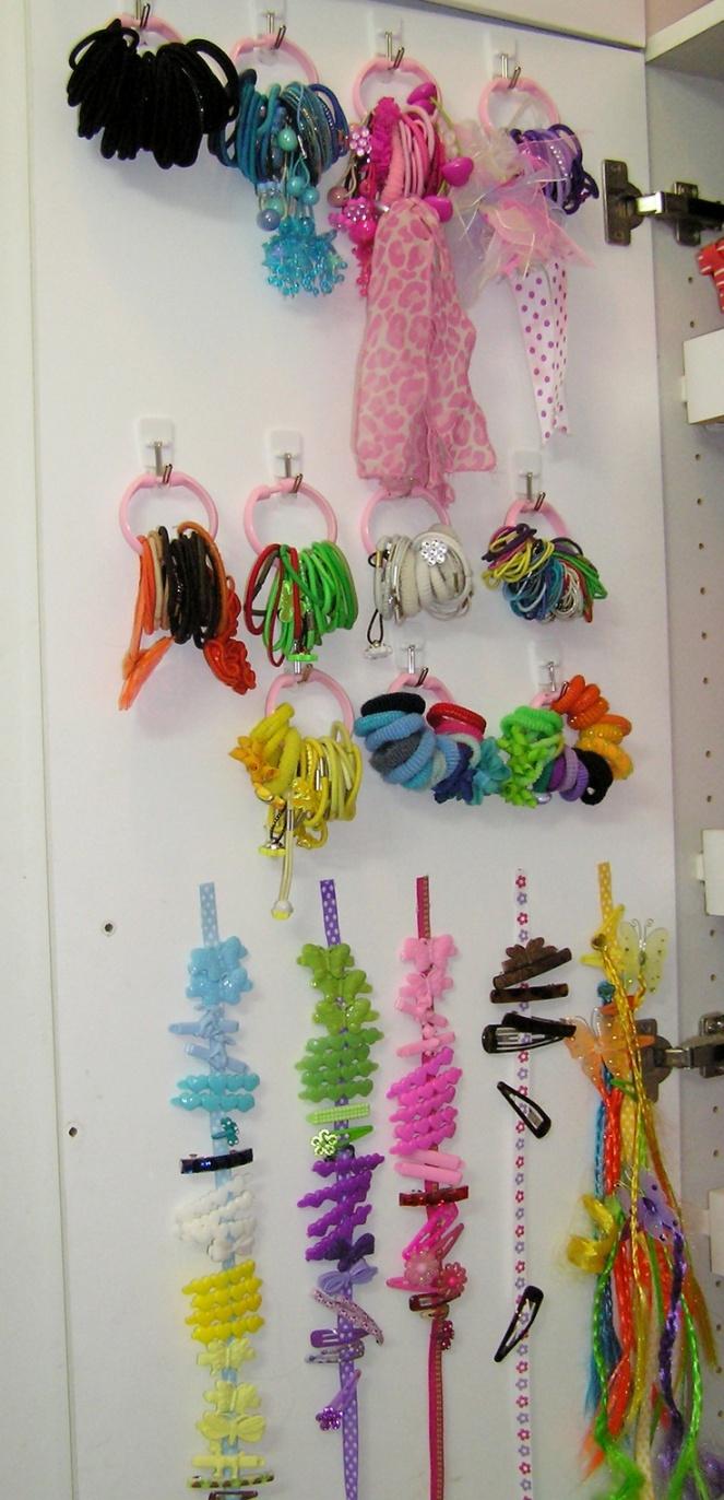 ideias-para-organizar-usando-ganchos-adesivos-4-2