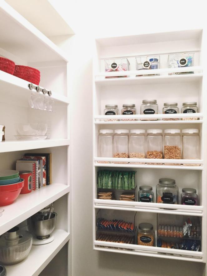 Orig-The-Home-Edit_labeled-containers-small-pantries.jpg.rend.hgtvcom.966.1288