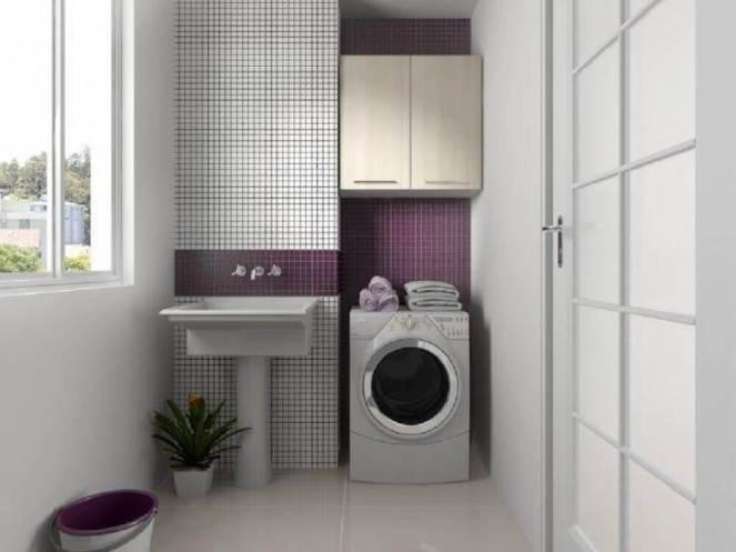 decoração-com-pastilhas-brancas-e-roxas-para-lavanderia-pequena-e-simples-Foto-Pinterest
