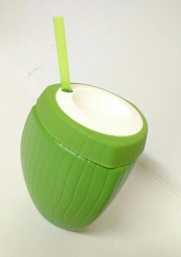copo-coco-verde-e-marrom-de-plastico-com-canudo-850ml-D_NQ_NP_778225-MLB25408234880_032017-F